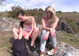 Two hotties go be advantageous to a shove and eat carry off on stacks top