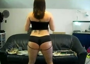 Hot and sassy white lady with juicy thick booty on webcam