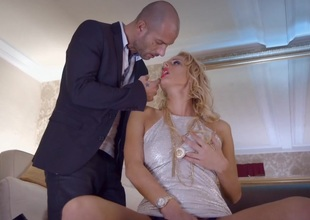 Wicked Blonde Chelsey Lanette Has Her Ass Eaten At large & Her Pussy Fucked
