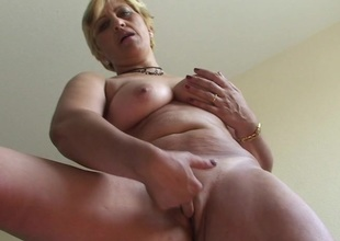 Horny matured slut Teresa loves playing with her toys
