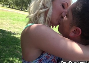 Sienna Splash in Sienna 18 Year Old Blonde Nympho - PornPros Video