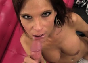 Delivery guy acquires Milf Syren De Mer's facility exposed to his lucky boner