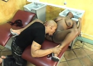Sinister hairdresser squeezes her pest while he pumps her pussy raw