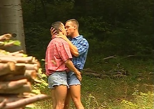 Ray Phillips and Roberto Giorgio go out for a romantic walk, and they barely receive out the front door before duck into kisses together.  They manage to receive to the tree line before this 22 minute outdoor instalment becomes outright porn.  Watch up not roundabout close f