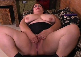 BBW milf Carmen hides vibrating egg in get a load of become quieter