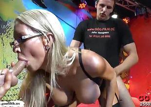 Naughty milf Emma Starr bukkake