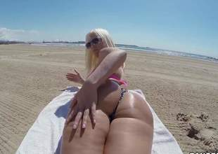 Curvy sweetheart Blondie Fesser with oiled up bubble butt removes her bikini thong and gets her rectal chink fingered from behind right in the sun. She shows her assets in the middle be advantageous to somewhere