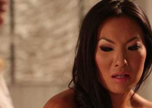 2 lesbian milfs, Asa Akira and Jessica Drake got together alone in a massage room, and they in the pipeline undressing each other. That really slowly lead to some wonderful ass, lesbian sex