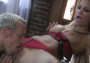 Jessica drake is on transmitted to edge of nirvana with sperm in her mouth