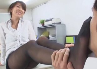 Oriental hose foreplay makes his hard 10-Pounder cum
