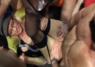 American pornstar MILF Emma Starr came over the pond to join us for a British gangbang party