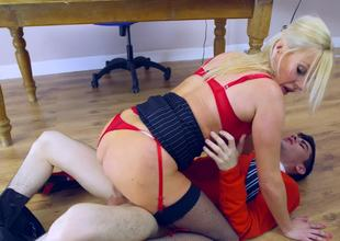 Young guy with a big dick fucks slutty Michelle Thorne