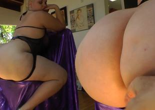 Fat ass blonde spreads her cheeks for a butt plug