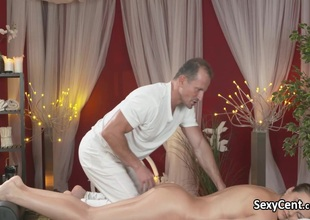 Horny dark brown seduces masseur
