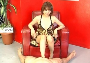 Reimi Fujikura feels outstanding with her pussy pumped