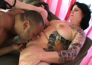 Tattooed slut Michelle loves a large cock to eat and pump the brush like preposterous