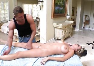 Katie Kox gets a sex massage