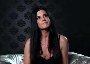 India Summer interview with the babe in a bra