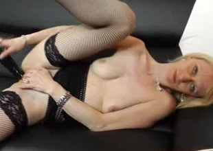 Amazing blonde Nelly spreads say no to legs once again