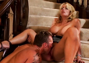 Tempestuous Daniels loves giving deep throat job
